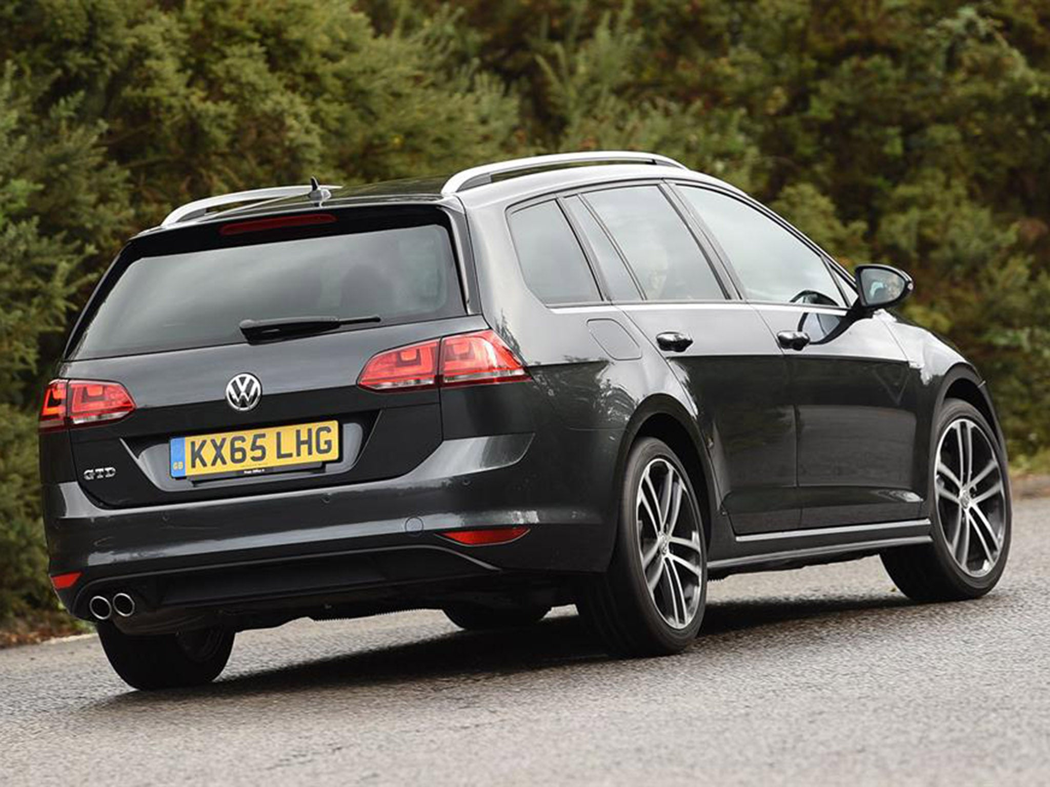 Volkswagen Golf GTD Estate, car review: Practicality allied with efficiency and hot-hatch ...