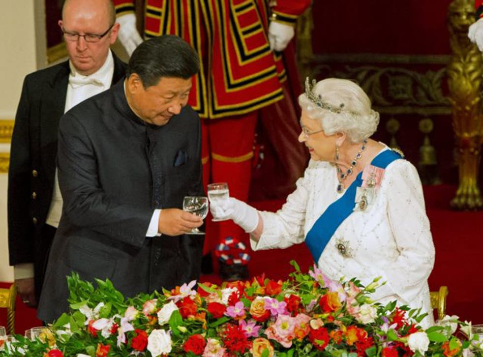 The Queen with China's President Xi Jinping. They drank British Ridgeview sparking wine during the banquet