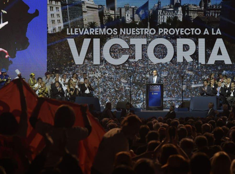 Daniel Scioli at his closing rally in Buenos Aires last week
