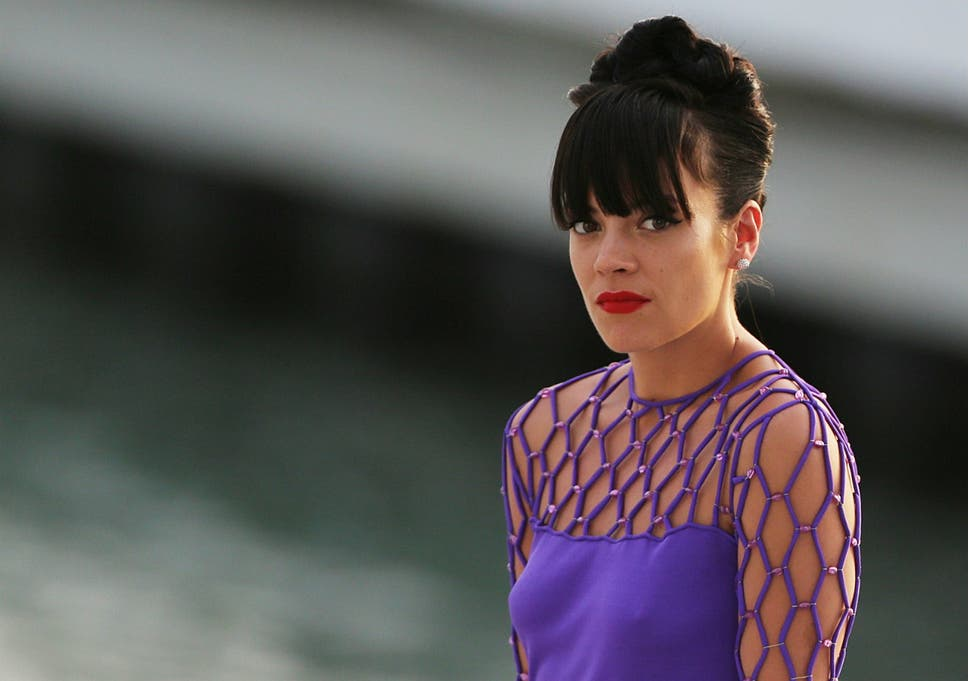 ccda57d8d8f082 Lily Allen reveals new song Something's Not Right was inspired by her late  son