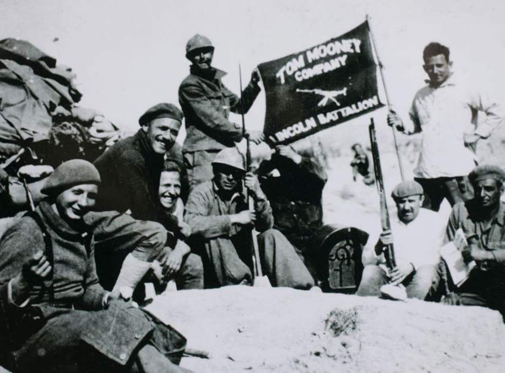 Members of the Tom Mooney machine gun company, part of the Lincoln Battalion, in Jarama in 1937