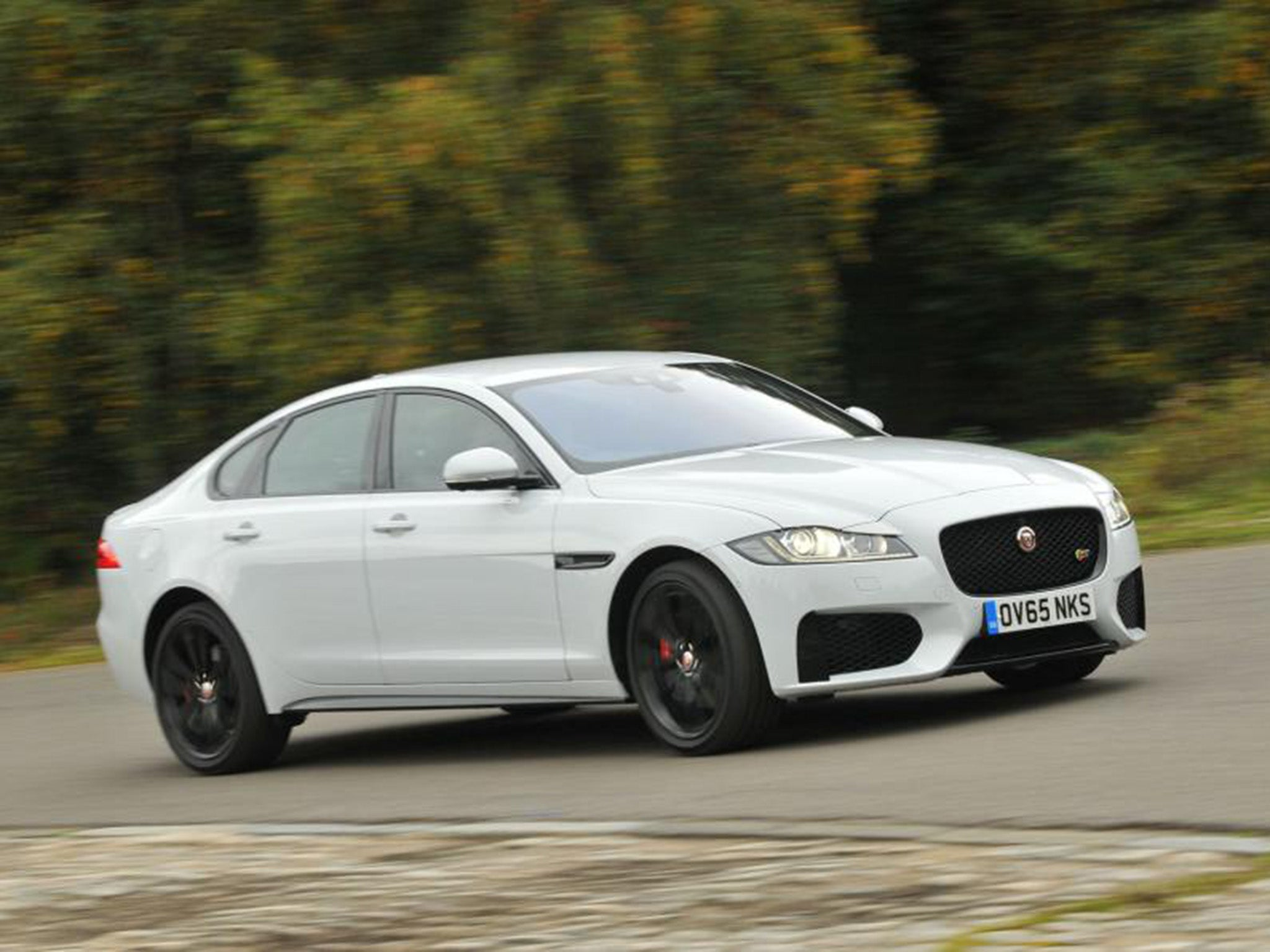 2015 jaguar xf 3 0 tdv6 s uk car review the new exec proves itself on british roads and hits. Black Bedroom Furniture Sets. Home Design Ideas