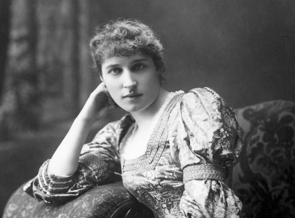 Model and actress Lillie Langtry lived the kind of double life Oscar himself would eventually adopt