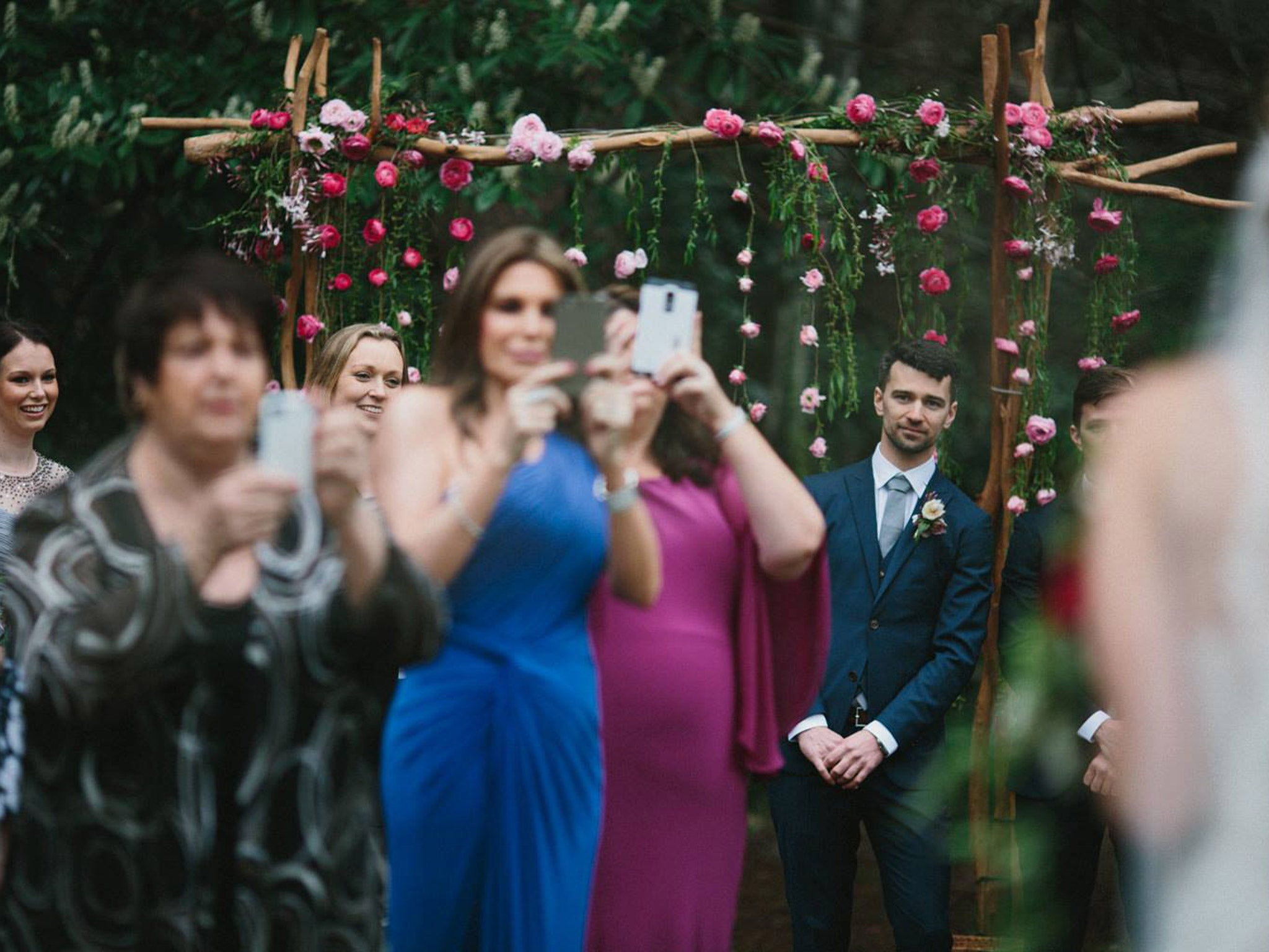 Annoyed wedding photographer spells out why phones at a wedding are the worst in viral Facebook post