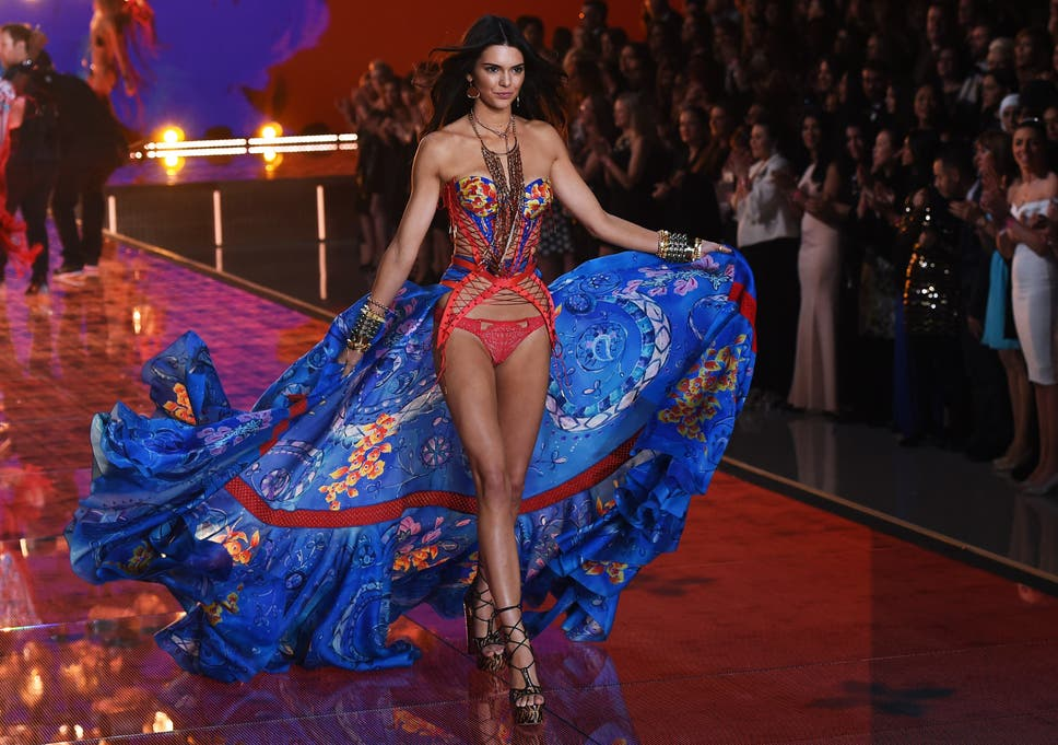 13d4e35d820dd Victoria's Secret Fashion Show 2015: Kendall Jenner and Gigi Hadid ...
