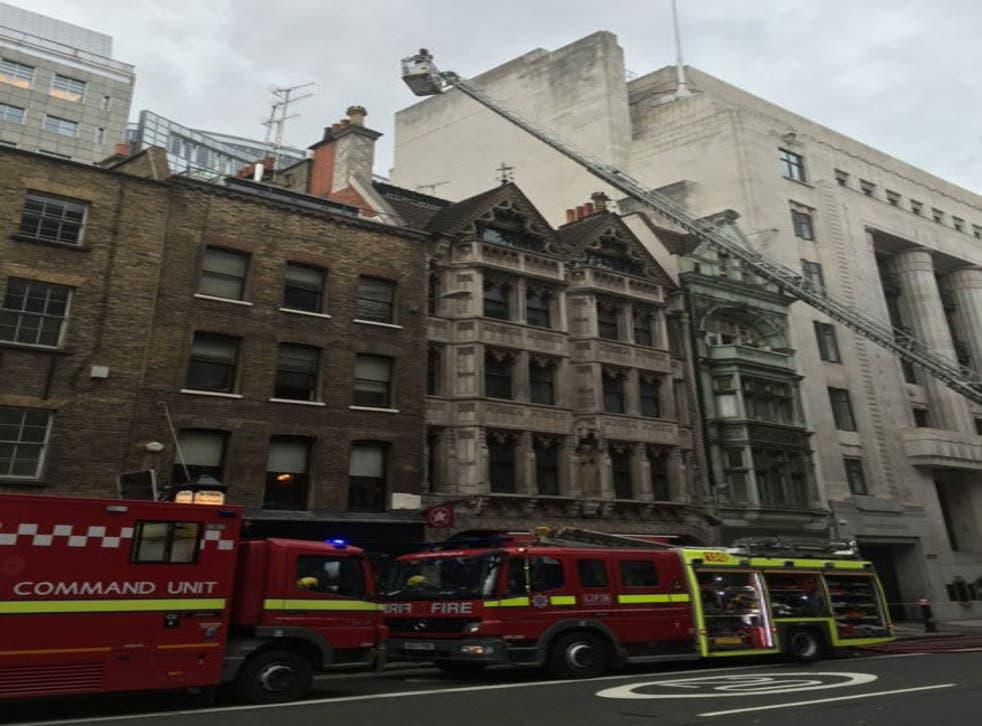 A fire broke out at a flat above a famous Fleet Street pub