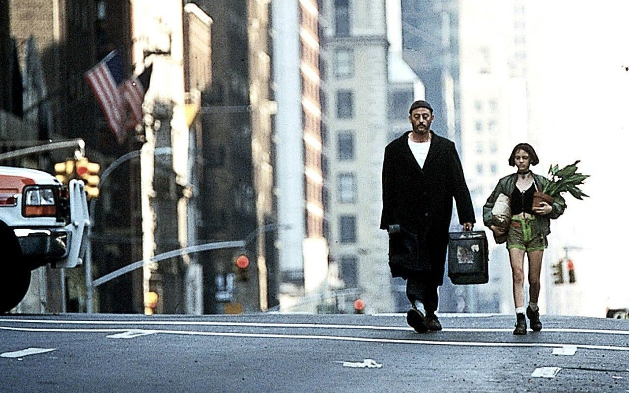 remembering leon the professional just a perfectly balanced movie the independent. Black Bedroom Furniture Sets. Home Design Ideas