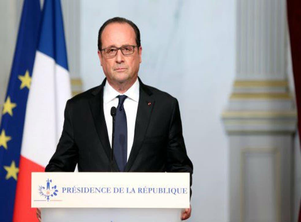 "Hollande calledon France to close ranks against ""barbarism"""