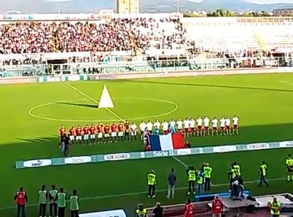 Livorno and Vincenza players pay tribute to the victims of the Paris terror attacks