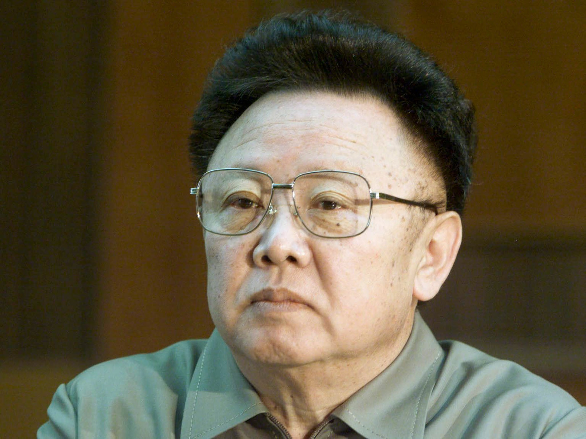 kim jong il [imtext1]while kim il sung was still alive, kim jong il built underground facilities and connected them like a spider web saying it is for the purpose of securing protection for the suryeong.