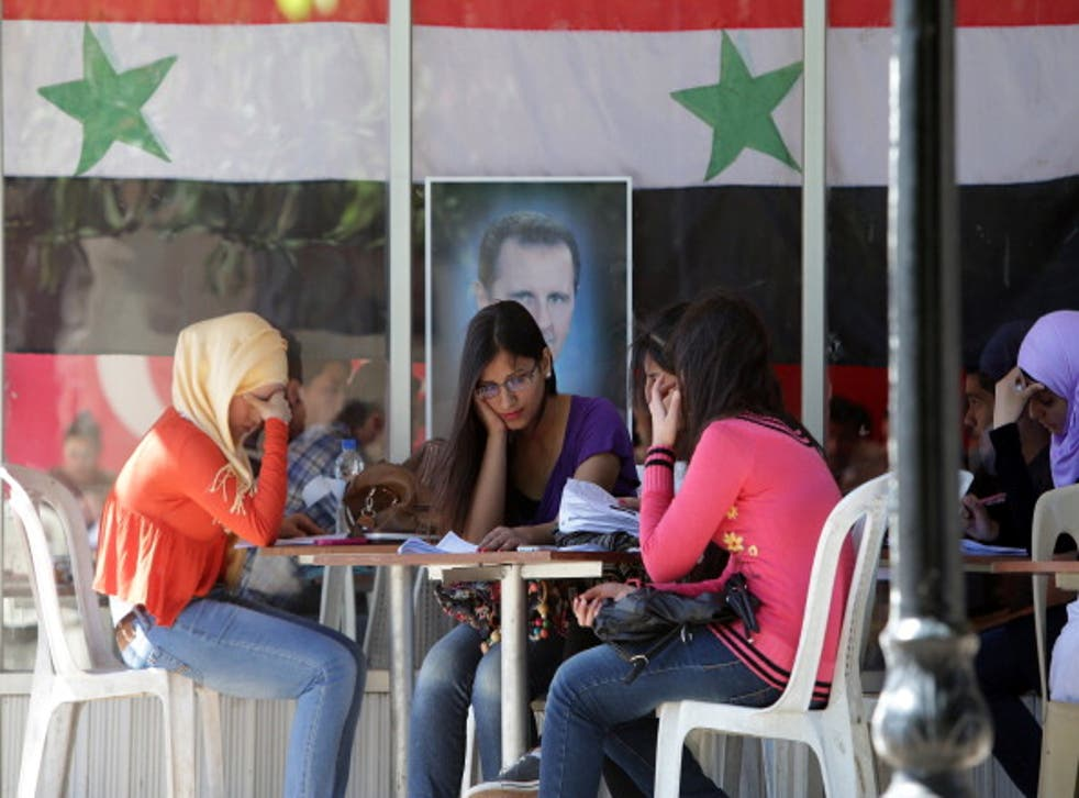 The USC's student Senate says 'millions of Syrian scholars and students are among those displaced'
