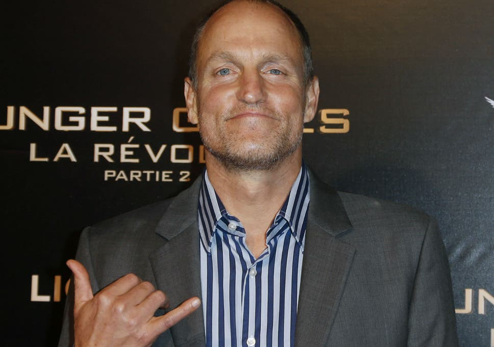 Woody Harrelson promotes The Hunger Games  Mockingjay Part 2 in the only  way he knows 306efcc59