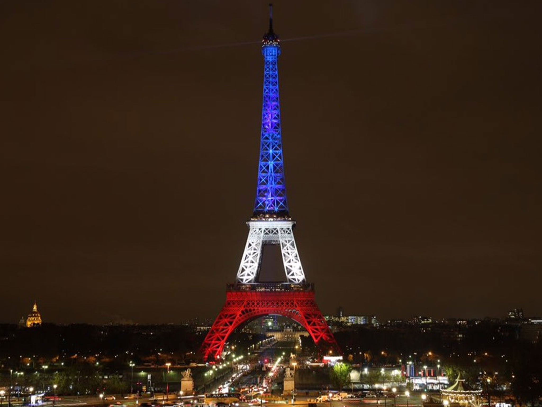 eiffel tower to be lit up with belgian flag colours 39 in solidarity 39 with brussels says paris. Black Bedroom Furniture Sets. Home Design Ideas