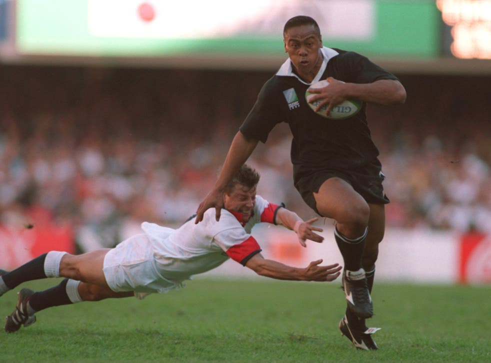 Jonah Lomu powers to a try against England at the 1995 Rugby World Cup