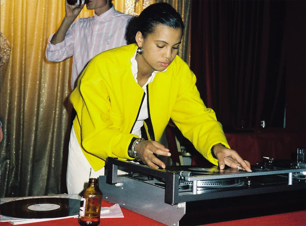 Neneh Cherry on the decks at The Warwick Castle