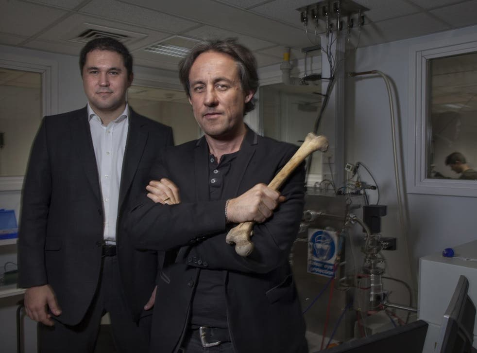 Prof Tom Higham [r]and Dr George Kazan in the Oxford Radiocarbon accelerator unit