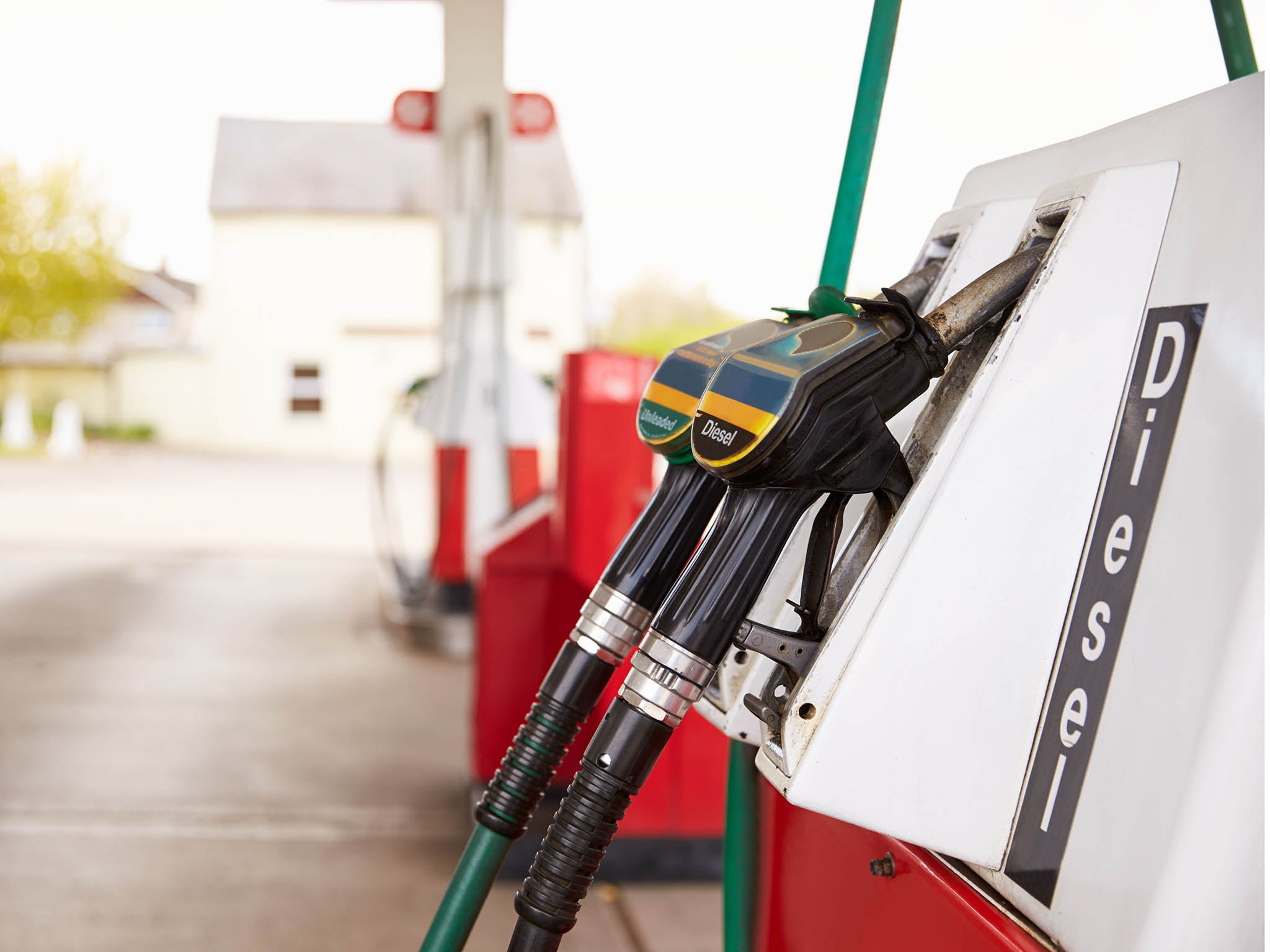 Fuel Pumps To Get Cigarette Packet Style Climate Change Warnings