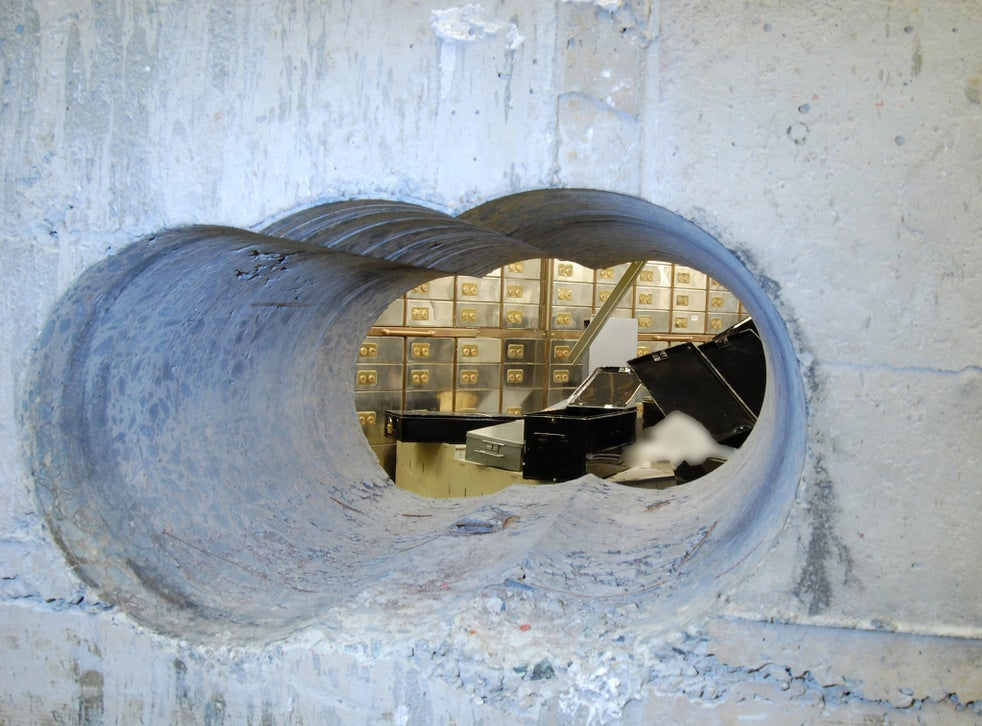 Hatton Garden Heist Elderly Gang Stole Loot Worth 14m But Sold Them For A Fraction Of The Price Court Hears The Independent The Independent