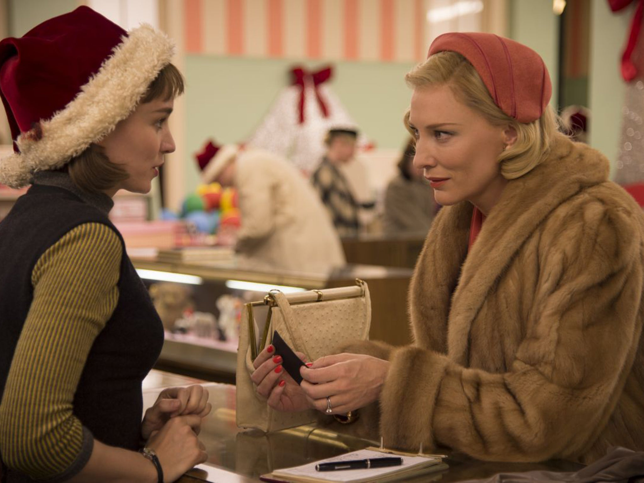 MOTHER AND SON FORBIDEN LOVE  Carol, film review: Cate Blanchett stars in a moving tale of forbidden love  | The Independent