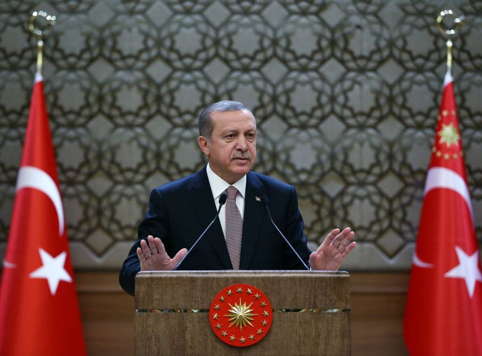 """President Erdogan has accused Russia of killing Turkey's """"kinsmen"""" from the Turkmen ethnic group during clashes with Syrian government forces"""