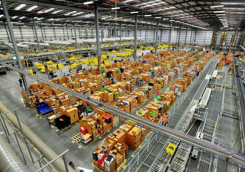 d722ae09ea3e The warehouse at the Amazon fulfillment centre in Hemel Hempstead