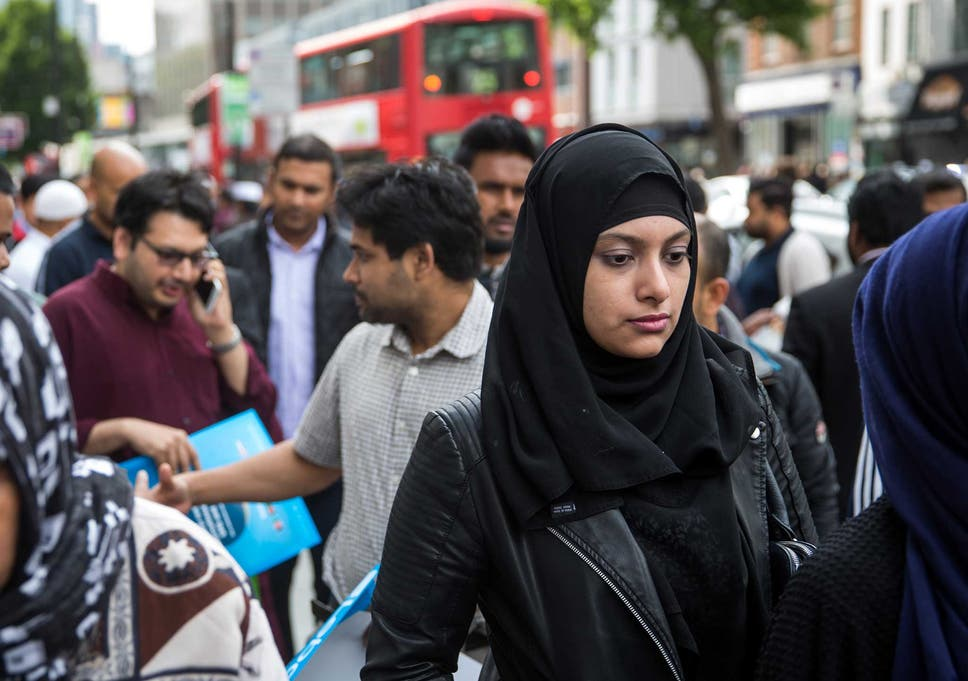 Its true that some british muslims dont actually want to integrate many young muslims feel besieged there is a natural instinct to withdraw and not engage m4hsunfo