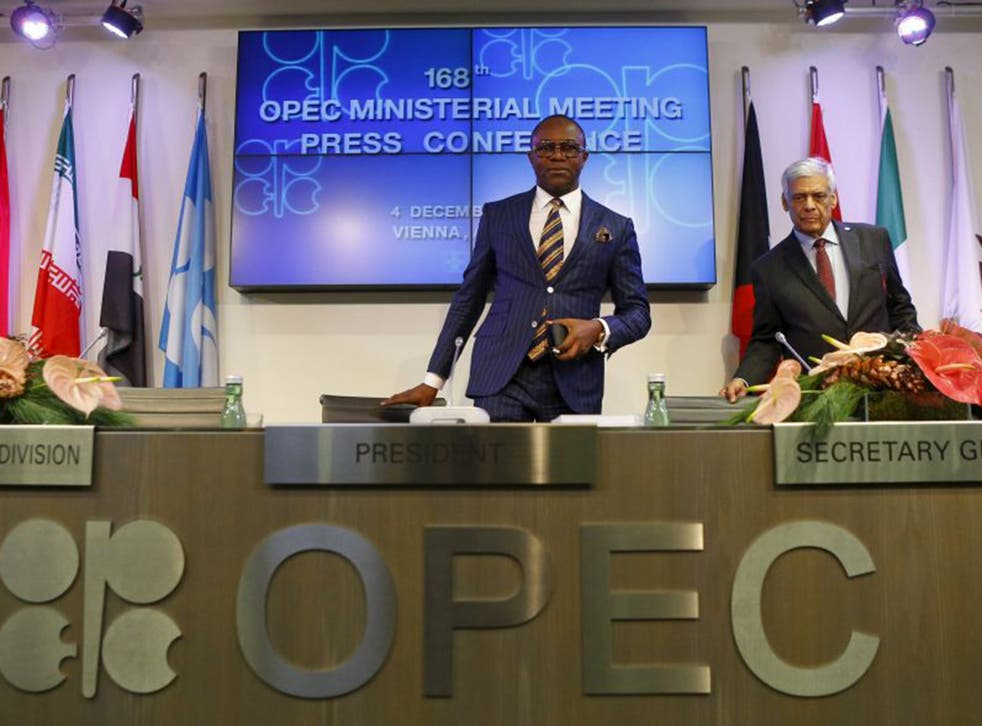 Nigeria's Oil Minister and OPEC president Emmanuel Ibe Kachikwu (L) and OPEC secretary general Abdullah al-Badri arrive for a news conference