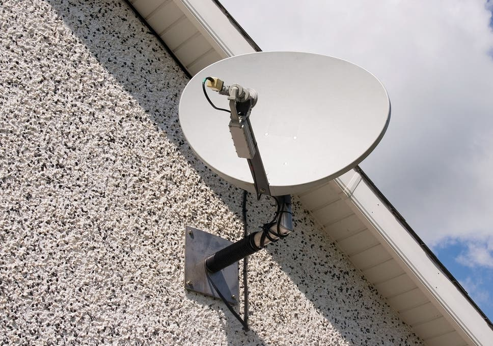Homes With Slow Broadband Promised Free Satellite Dish As Early