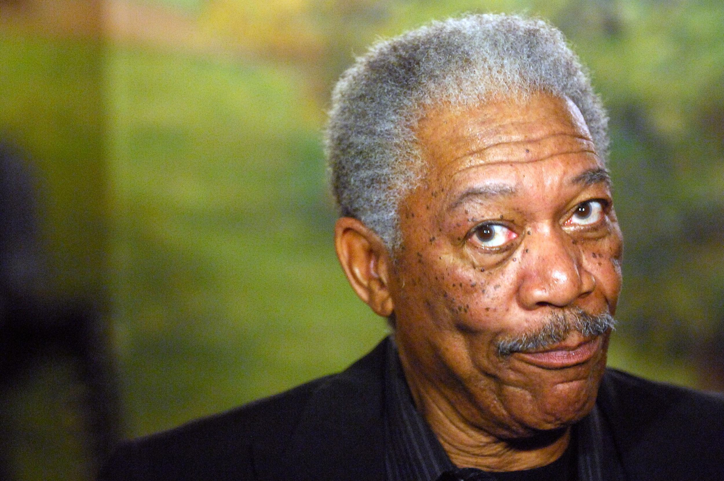 Morgan Freeman In Plane Emergency Landing After Take Off