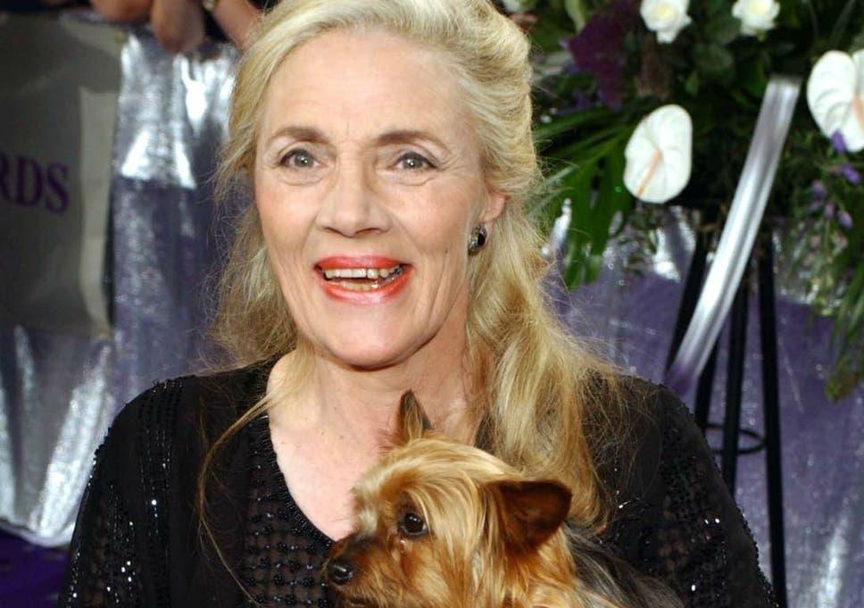 Shirley Stelfox: Emmerdale actress dies after short battle with