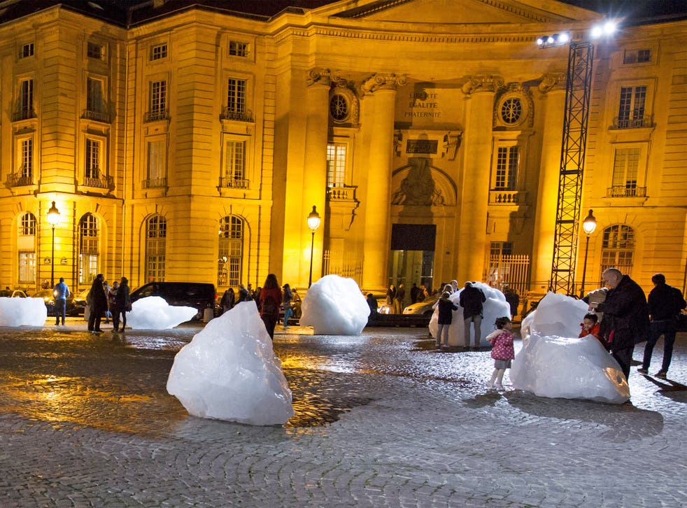 An art installation made with parts of Greenland's ice cap, in front of the Pantheon in Paris