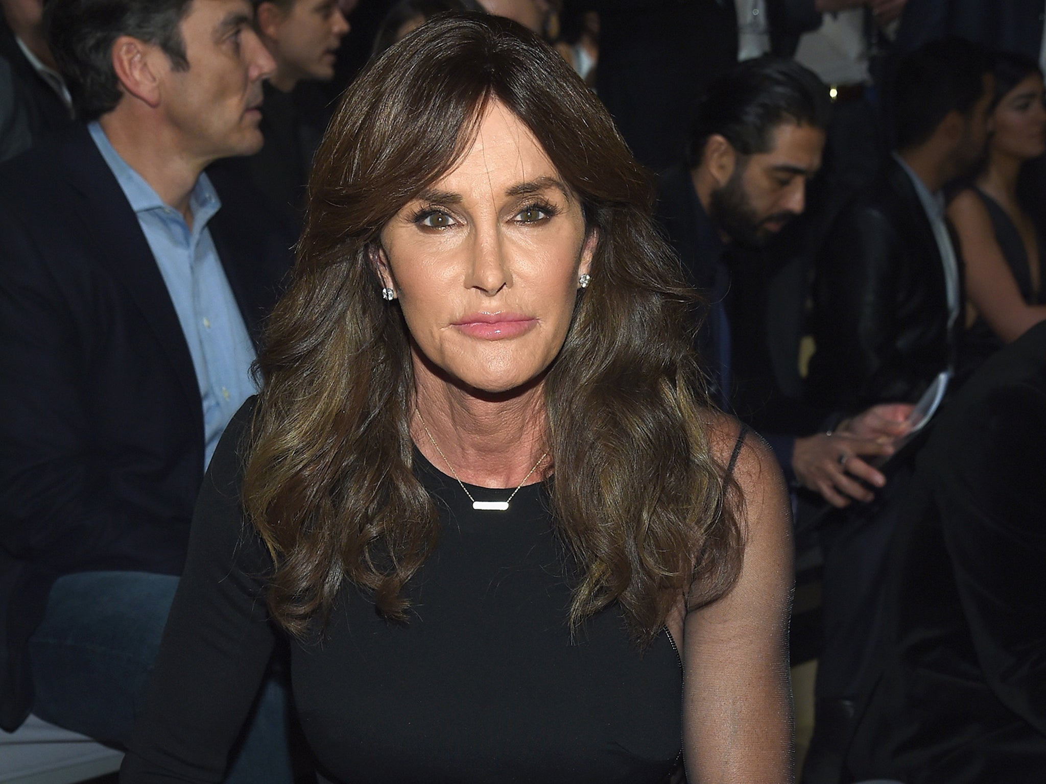 Caitlyn Jenner May De Transition To Male Claims