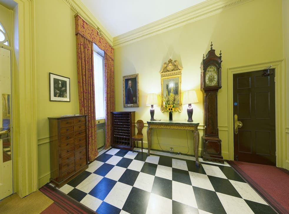 10 Downing Street Take A Rare Glimpse Inside The Prime Minister S Home The Independent The Independent
