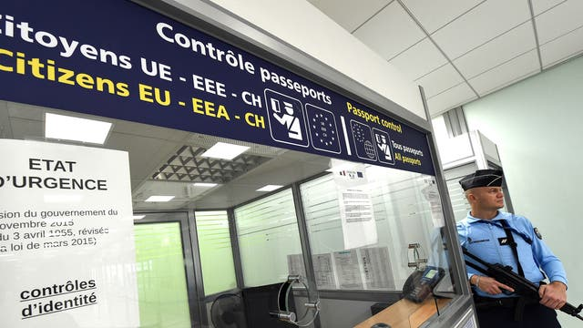 End of the European Schengen Area and cross border freedom of movement without passports