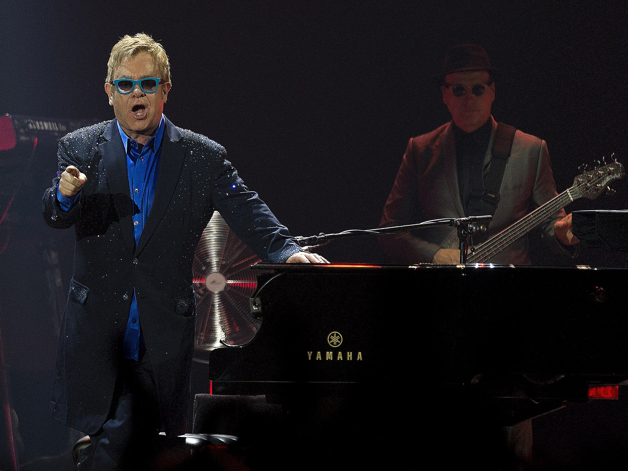 Elton John Fans Left Fuming After Traffic Jams Force Them To Miss Exeter  Concert  The Independent