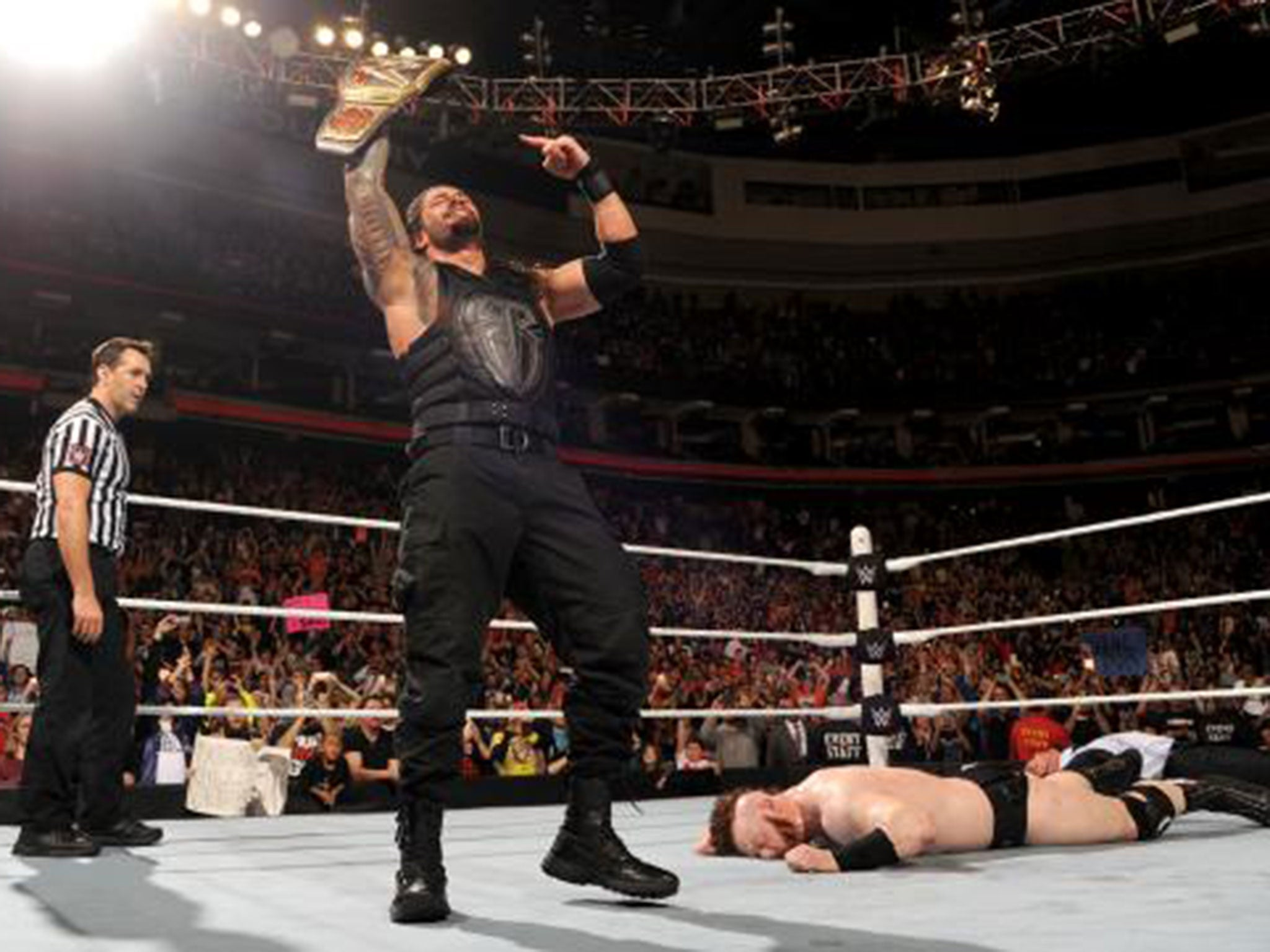WWE Raw results: Roman Reigns wins WWE title from Sheamus a ...