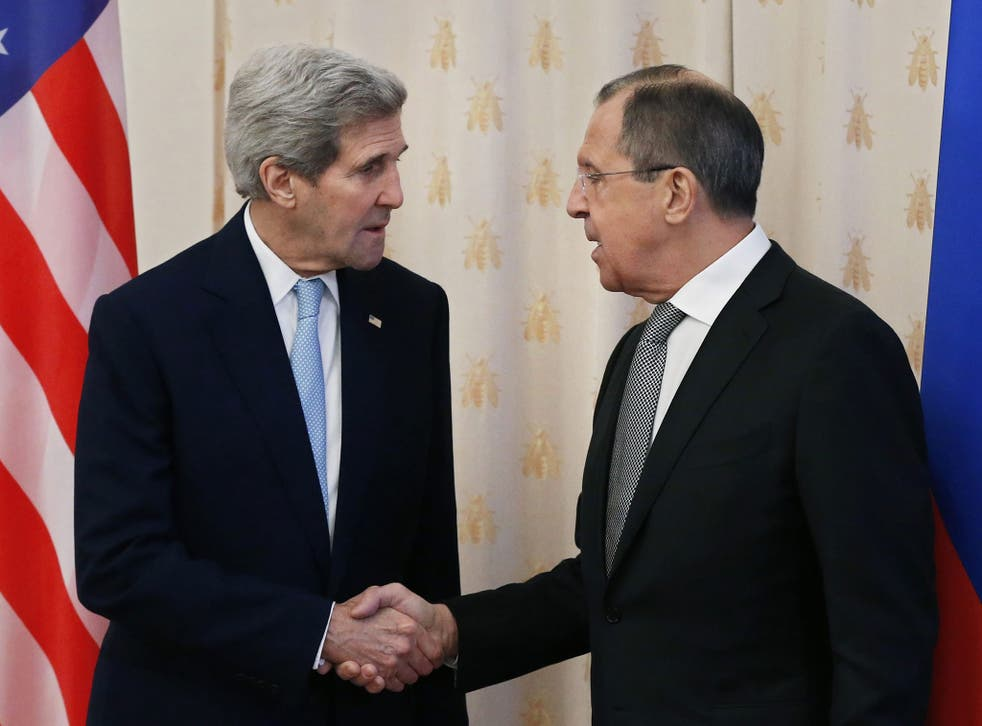 US Secretary of State John Kerry (L) meets with Russian Foreign Minister Sergei Lavrov (R), in Moscow, Russia, 15 December 2015
