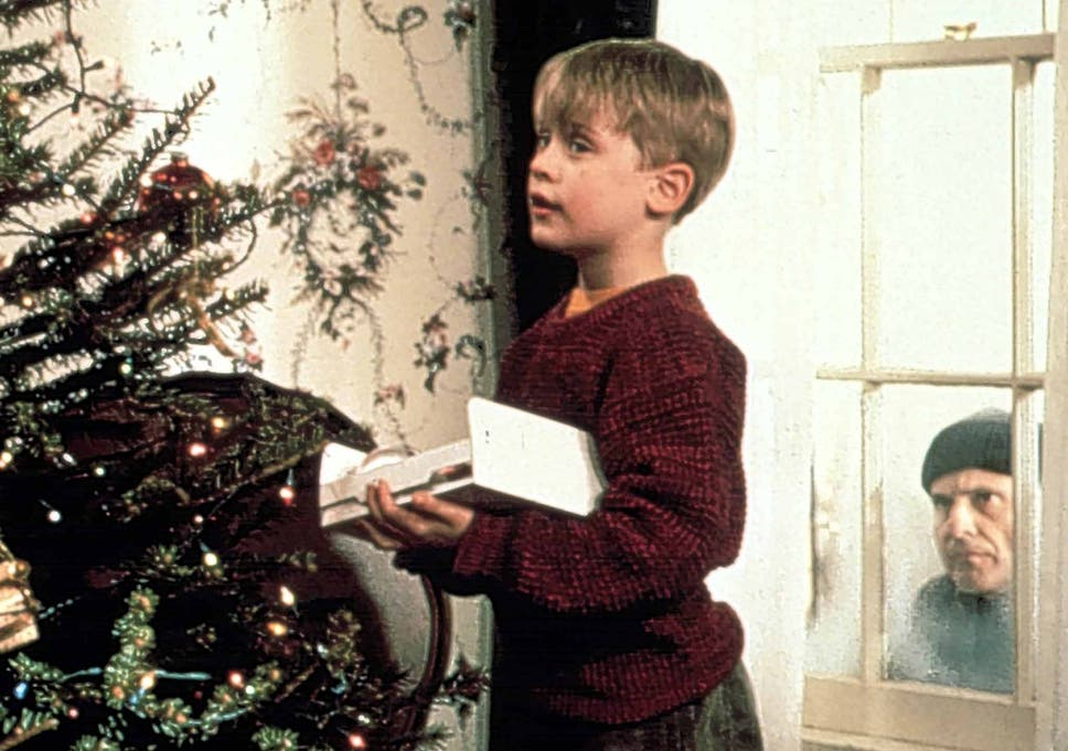 How To Decorate Your Home For Christmas According Experts