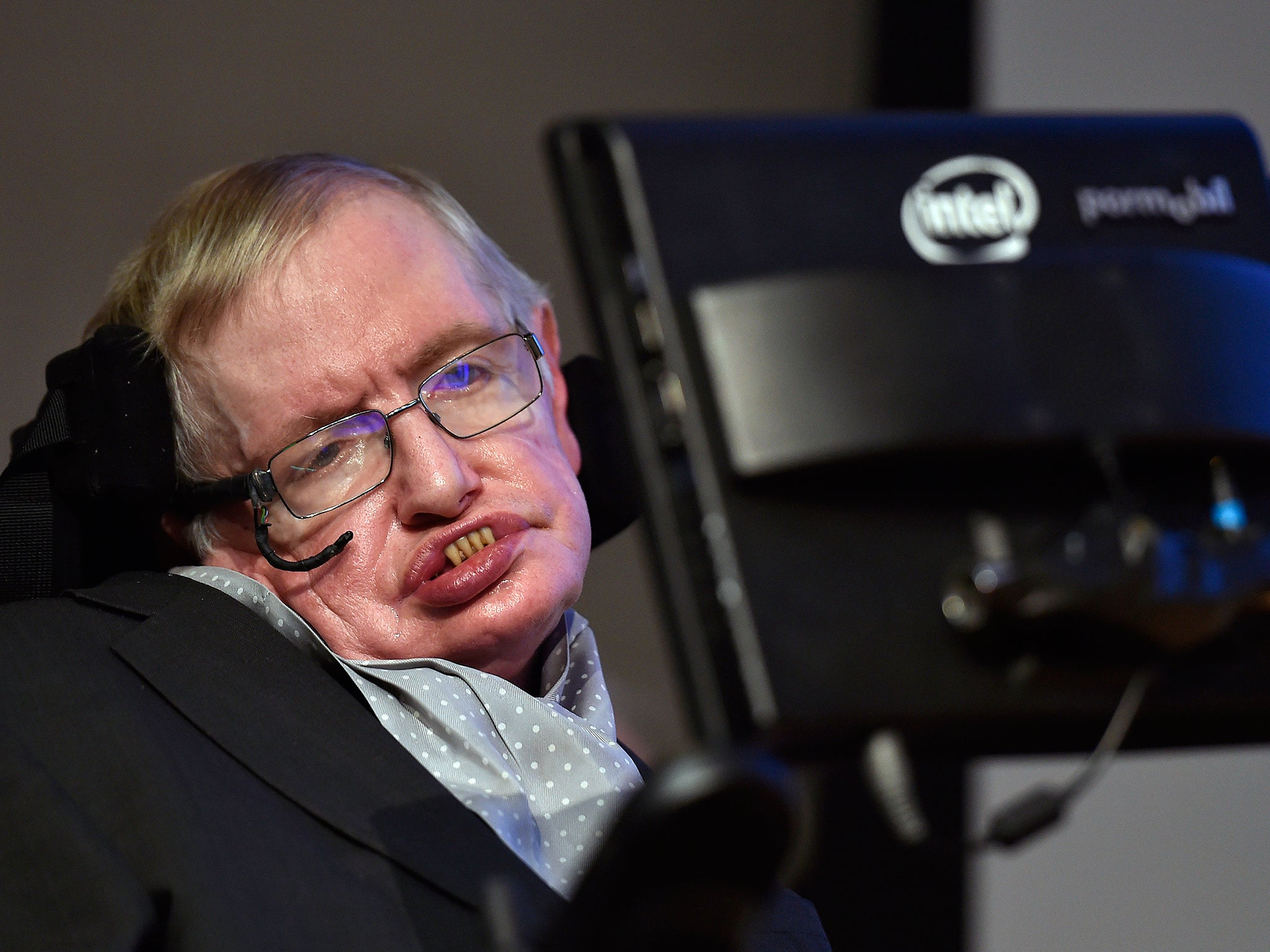 Stephen Hawking accused of sexual harassment