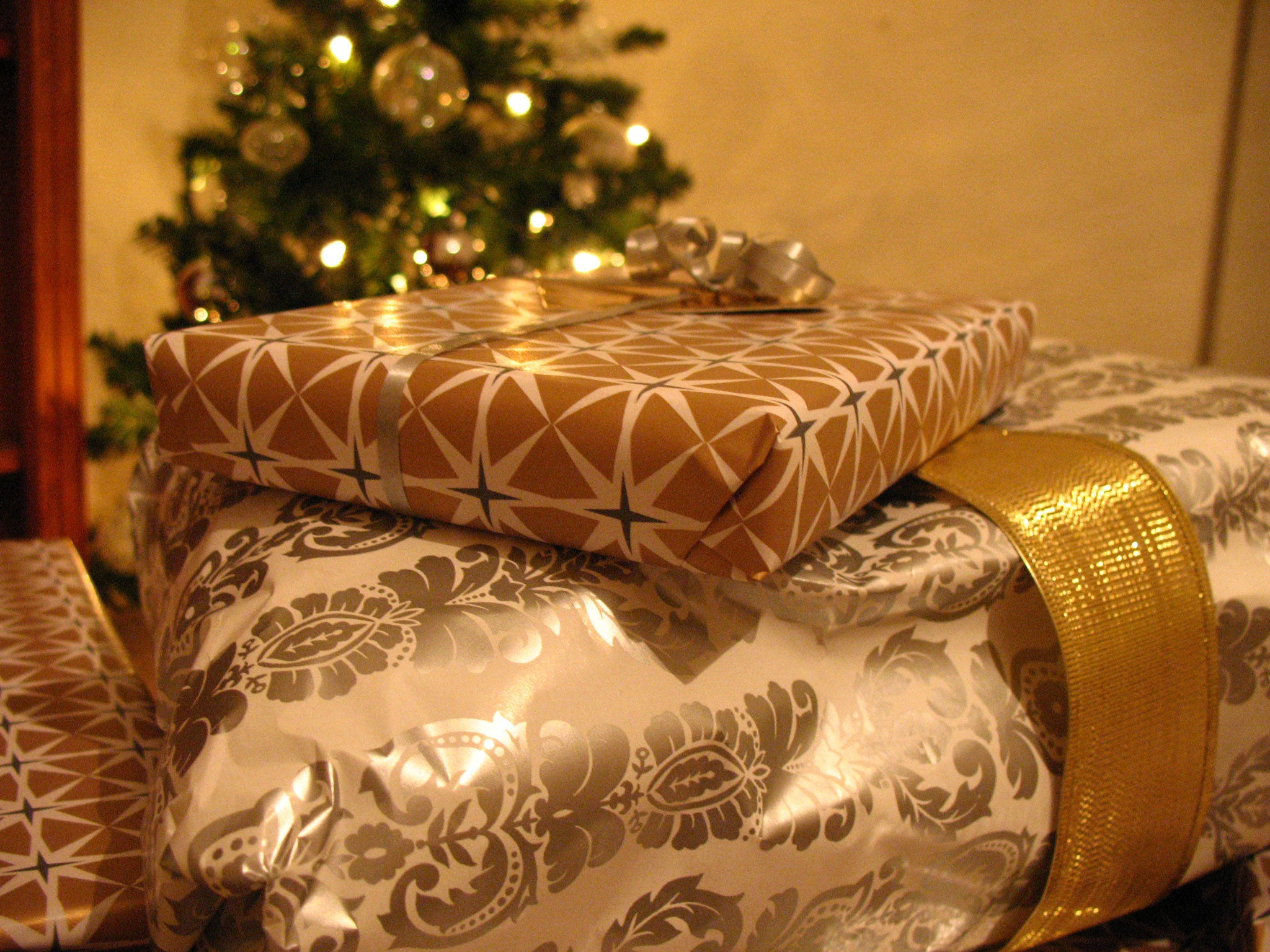 Why cash is the worst Christmas present to give | The Independent