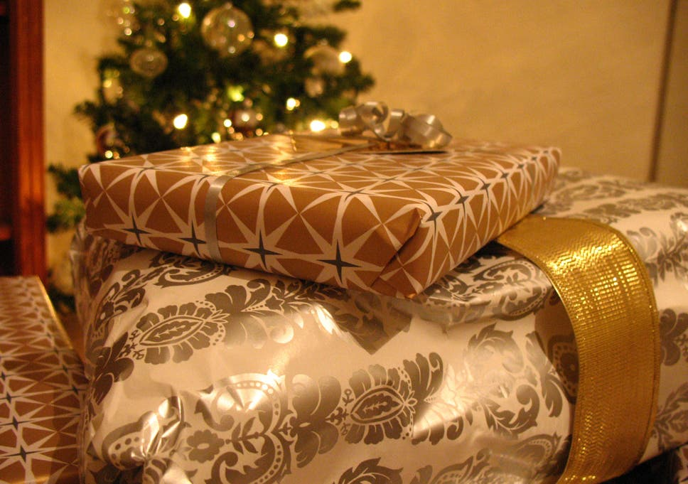 why cash is the worst christmas present to give