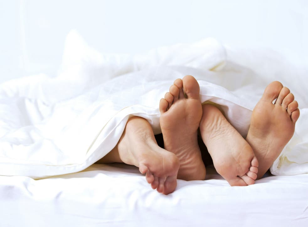 If you sleep tangled up, you're probably infatuated