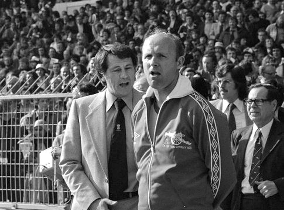 Howe, right, with the then Ipswich manager Bobby Robson during the 1978 FA Cup final