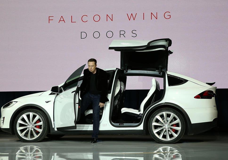 Tesla Motors Celebrates Christmas With Model X SUV Light Show The - Car light show
