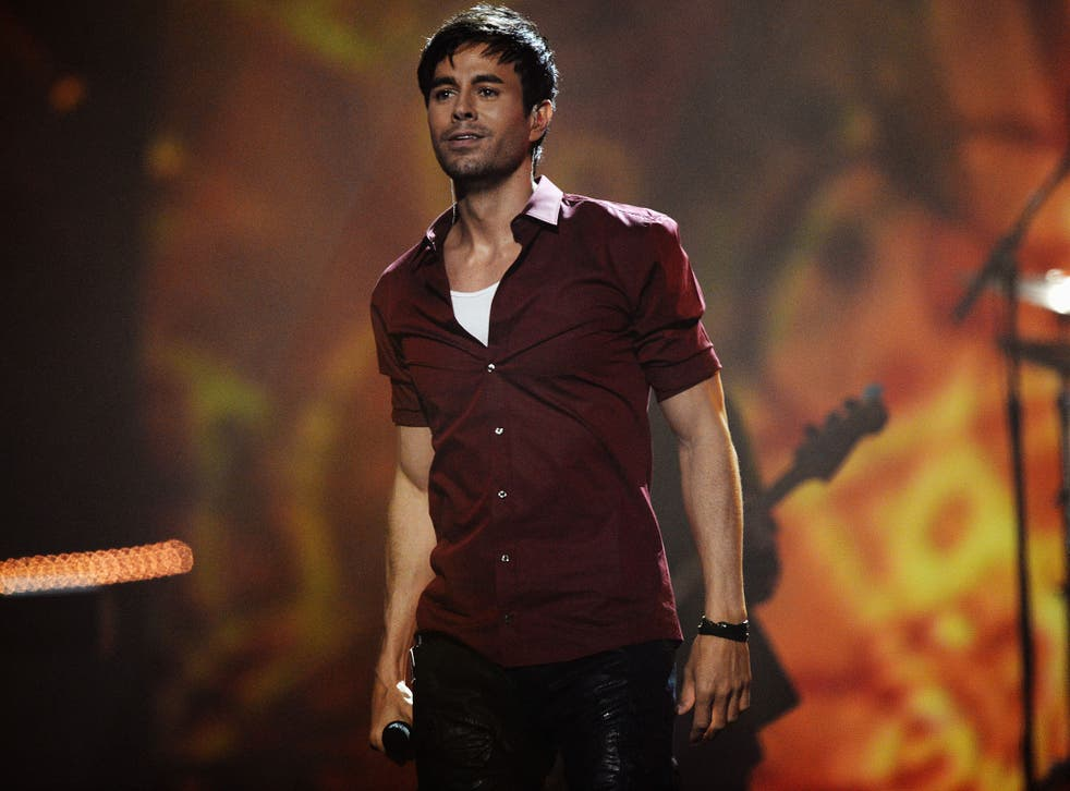 Enrique Iglesias performs on stage during the MTV EMA's 2014 at The Hydro on 9 November, 2014 in Glasgow, Scotland