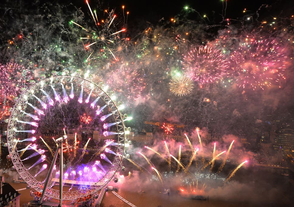 Auld Lang Syne Lyrics All The Words So You Can Sing It At New Year