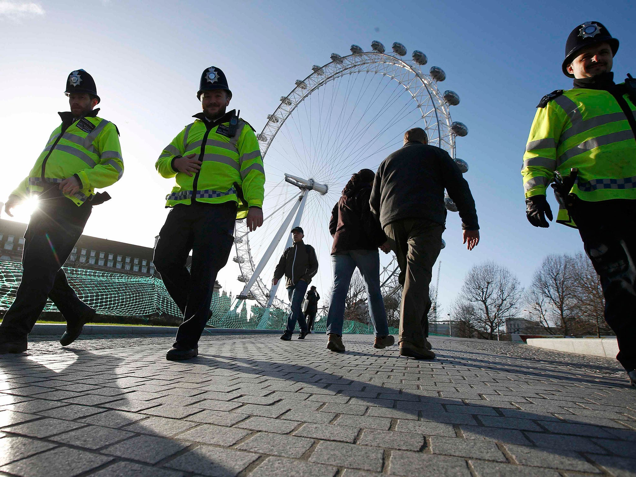 """Met to stop investigating some crimes amid £400m savings. """""""