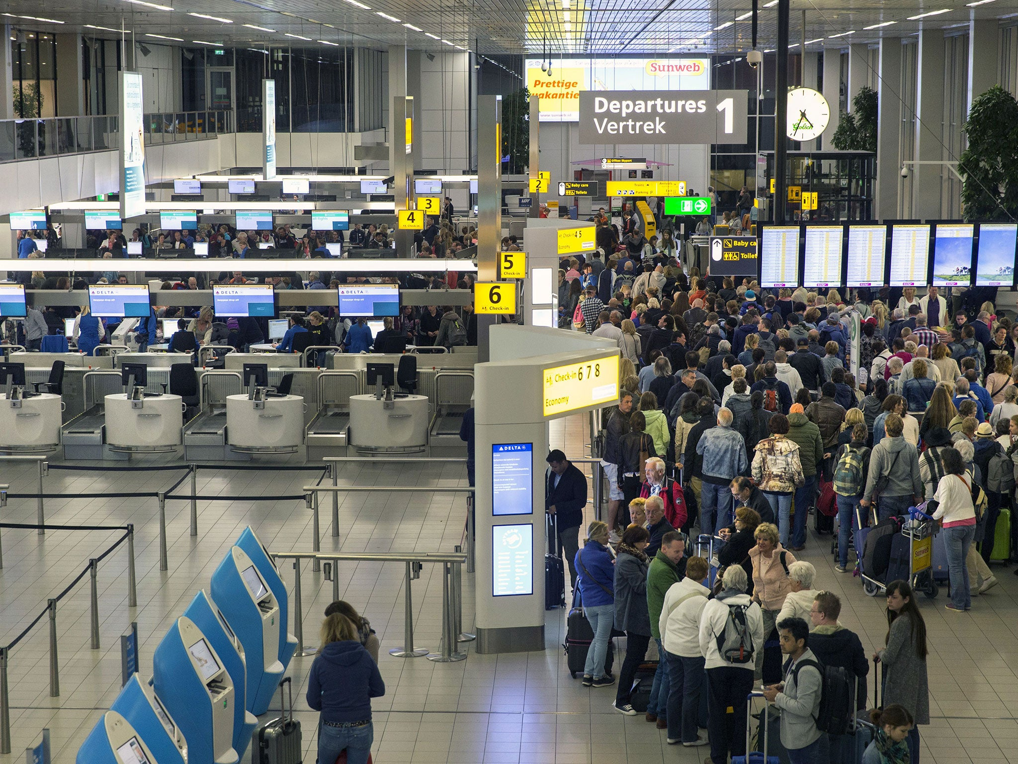 Amsterdam Schiphol airport evacuated over 'British man shouting bomb ...: www.independent.co.uk/news/world/europe/amsterdam-schiphol-airport...