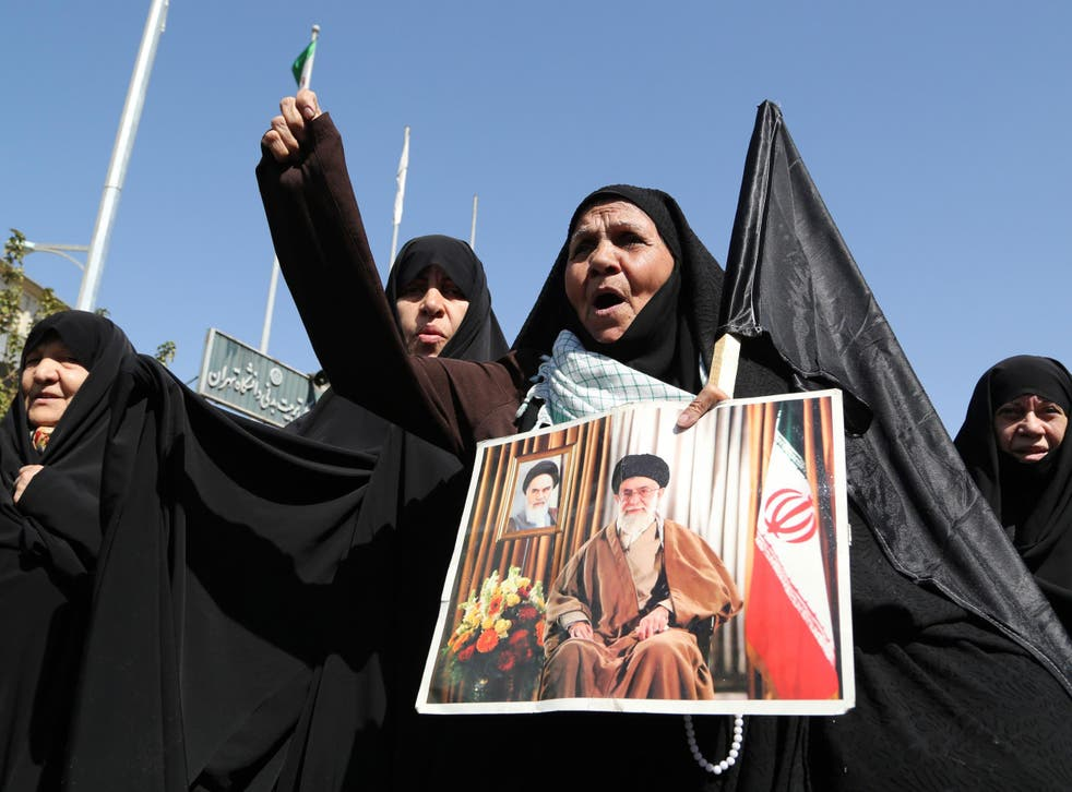 Iranian women protest against Saudi Arabia following the deaths of 131 Iranian pilgrims in a stampede at the annual Hajj