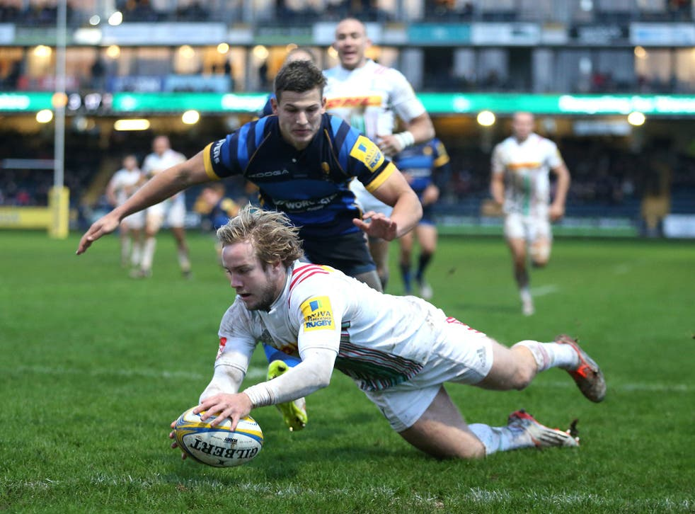 The Harlequins wing Charlie Walker scores his second try against Worcester